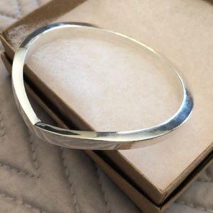 Jewelry - Silver plated bangle